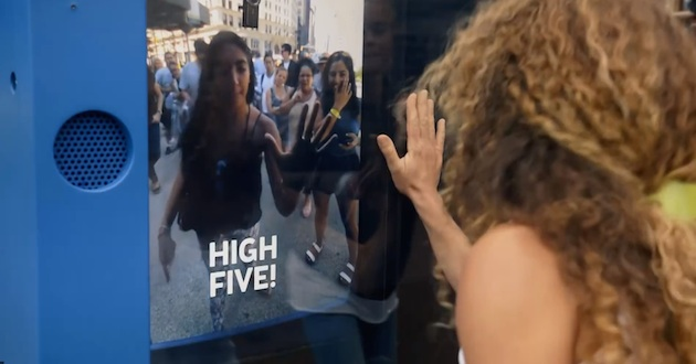 KLM high five marketing